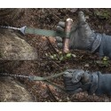 Savotta Survival Säge im Einsatz, gepimpt mit Holzstücken als praktische Handgriffe