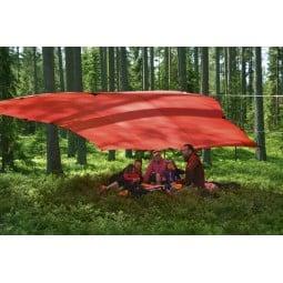 Hilleberg Tarp 20 UL Rot als Dach für das Familienpicknick
