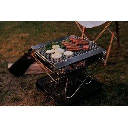 Snow Peak Pack & Carry Fireplace Kit als Grill eingesetzt
