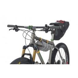 Fly Creek HV UL2 Bikepack Zelt am Fahrrad befestigt