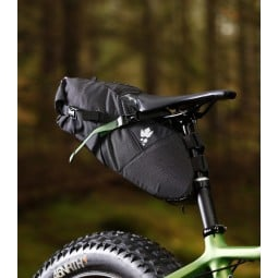 Miss Grape Cluster 13 Waterproof Seat Pack montiert
