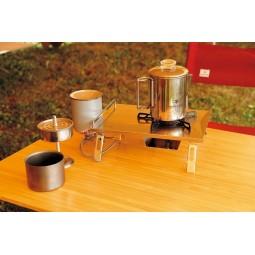 Stainless Coffee Percolator aufgebaut mit Kocher und Tasse