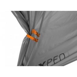 Outer Space 2 mit Clips zum einfachen Aufrollen der Zeltöffnung