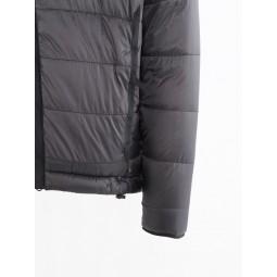 Atle 2.0 Jacket Detailansicht Fronttasche und Ärmel