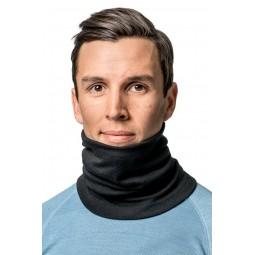 Lite Tube Black um den Hals getragen