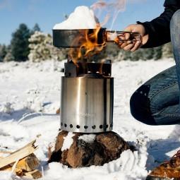 Solo Stove Campfire Holzofen & 2 Pot Set Combo im Einsatz