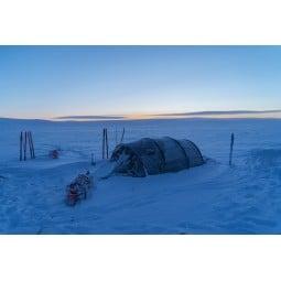 Hilleberg Kaitum 4 GT Zelt im Schnee aufgebaut