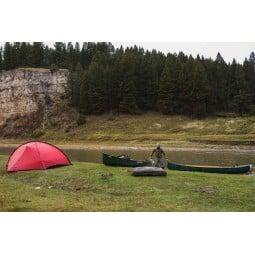 Hilleberg Rogen Zelt aufgebaut am Fluss