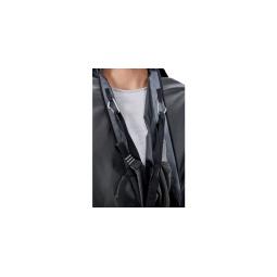 Öffnung am Nordisk Voss Tech Tarp wenn es als Poncho getragen wird