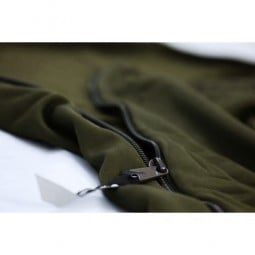 Carinthia Grizzly Microfleece Liner Olive Detailansicht Reißverschluss