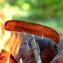 Light My Fire Opas Grillspieß beim Grillen im Einsatz