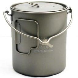 Toaks Titanium 750ml Pot mit praktischem Henkel zum Aufhängen über einem Feuer