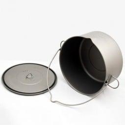 Toaks Titanium 2000ml Pot mit Henkel seitlich liegend, Deckel offen