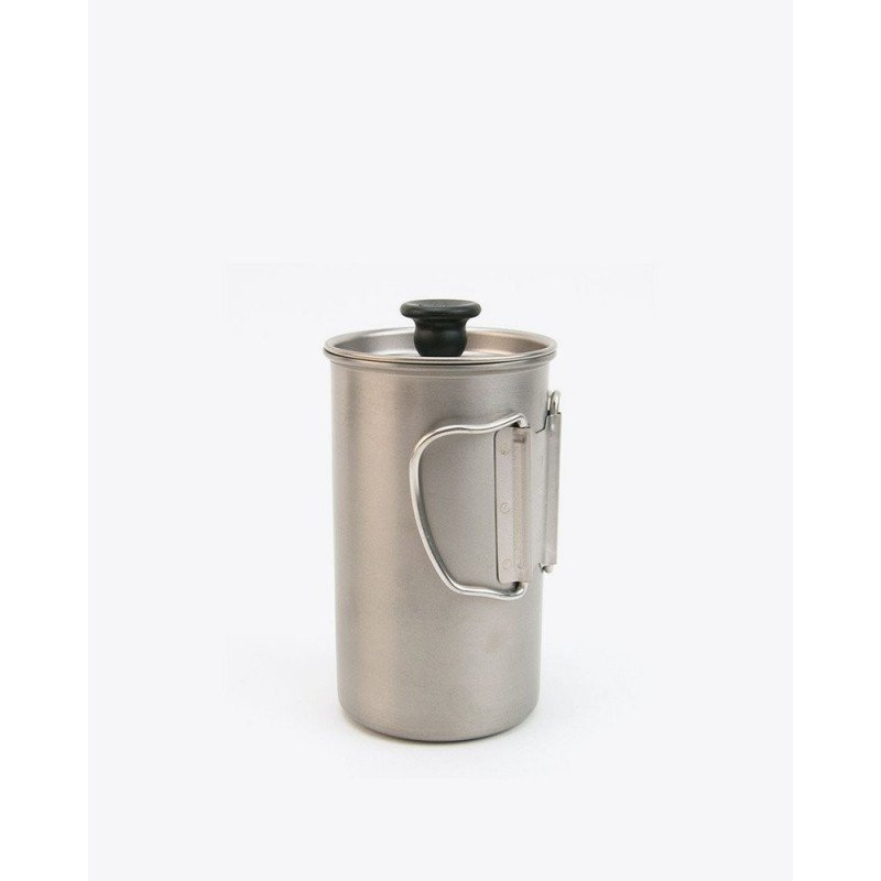 Snow Peak Titanium French Press mit eingeklappten Henkeln